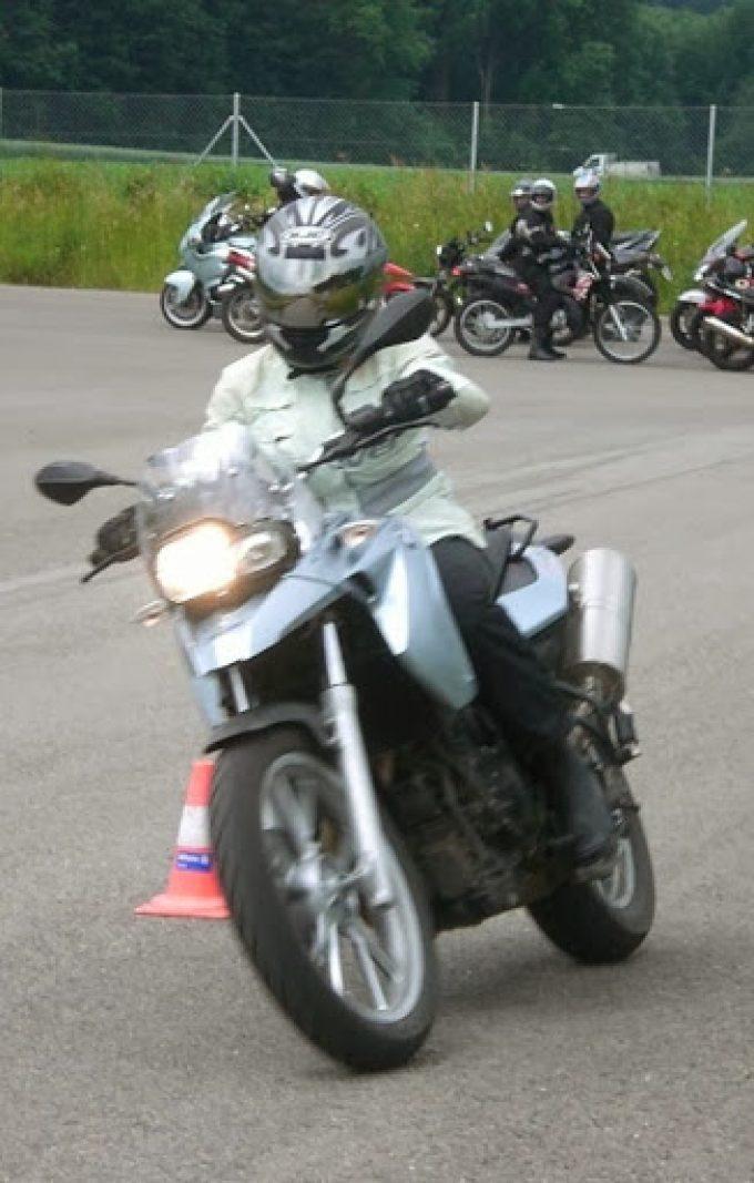 toeffkurs24.ch DIE Motorradfahrschule in der Zentralschweiz